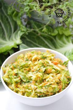 Surówka z młodej kapusty z koperkiem i marchewką - KulinarnePrzeboje.pl Cabbage, Vegetables, Ethnic Recipes, Veggies, Cabbages, Vegetable Recipes, Brussels Sprouts, Sprouts, Kale
