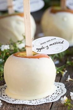 """Apple-y Married"" caramel apple wedding favors for an autumn wedding. 