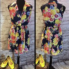 HPBEAUTIFUL FLORAL DRESS BY BAILEY BLUE Cute dress with a collar, button top, and elastic waist. Pretty bold floral pattern.  HIC-2 Bailey Blue Dresses Mini