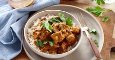 This slow cooker beef stroganoff which is simple to prepare and will warm you up when the weather gets cooler.
