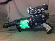Cyberpunk Steampunk Nerf modded Maverick LED Gun by YaleDesigns Steampunk Weapons, Steampunk Gadgets, Sci Fi Weapons, Steampunk Cosplay, Fantasy Weapons, Steampunk Design, Victorian Steampunk, Mad Max, Cyberpunk