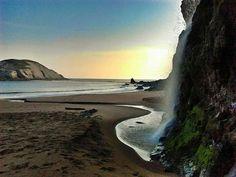 Rincones de Cantabria con encanto. La cascada de la playa de Covachos