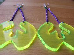 Green Dangly Splat earrings – Fluorescent Laser Cut £10.00