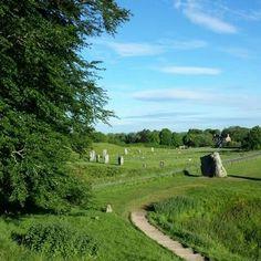#aveburystonecircle #standingstones  #travel  #England #positiveaffirmation  #newage