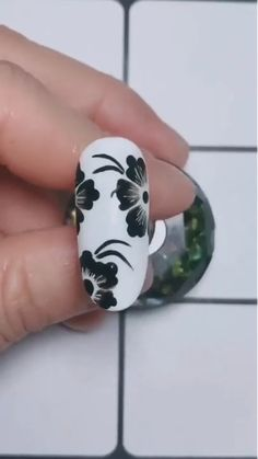 Beautiful Brush Only Floral Nail Design The post Beautiful Brush Only Floral Nail Design appeared first on Alysa Queen. Cute Acrylic Nails, Gel Nail Art, Nail Art Diy, Gel Nails, Nail Nail, Nail Art Designs Videos, Nail Art Videos, Crazy Nail Designs, Square Nail Designs