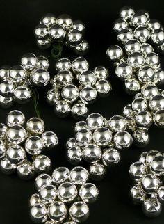25MM SHINY SILVER GLASS BALLS ON PICS, SET OF 144