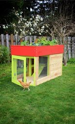 Kippen House modern, green roof, garden roof chicken coops - OK, not exactly bag related but oh so fun and soon to keep a disgruntled husband busy building one for me.