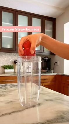 Fruit Smoothie Recipes, Nutribullet Recipes, Detox Recipes, Water Recipes, Energy Smoothies, Easy Smoothies, Good Healthy Recipes, Healthy Drinks, Homemade Detox