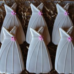 Pretty Wedding Dress Cookies for a bridal shower