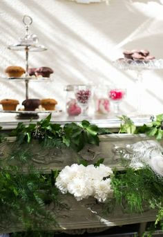Vintage Candy Bar decoration by Rasa en Detail: http://rasa-en-detail.de/projekte-details/articles/projekt-1.html #wedding
