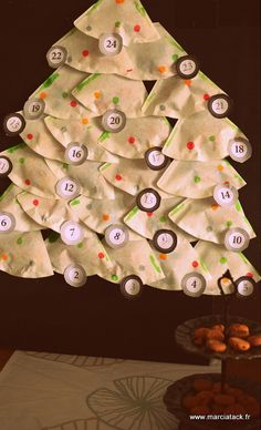 An easy advent calendar with coffee filters! Days Till Christmas, Christmas Countdown, Christmas Crafts, Christmas Decorations, Christmas Tree, Holiday Decor, Basic Embroidery Stitches, Diy Advent Calendar, Glue Crafts