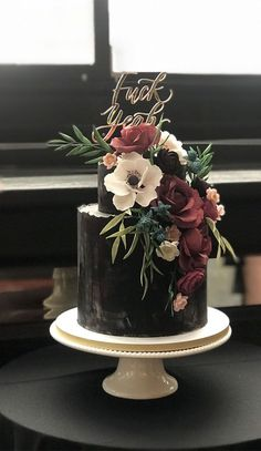 35 Breathtaking black wedding cakes - elegant wedding cake wedding cake 35 Breathtaking black wedding cakes for eternal couple Gothic Wedding Cake, Black Wedding Cakes, Wedding Cake Rustic, Elegant Wedding Cakes, Elegant Cakes, Beautiful Wedding Cakes, Wedding Cake Designs, Beautiful Cakes, Black And White Wedding Cake