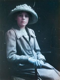 Early Paget Process colour portrait c.1915 Autochrome