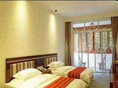 Yangshuo CTN Lijiang River Side Hotel Yangshuo, China