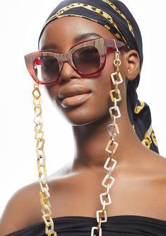 Der Trend 2021: Brillenketten als Statement! Brillenkette aus Naturhorn, 75cm, für alle Brillentypen geeignet. Photo: andreabiasutti Trends, Chain, Jewelry, Fashion, Eyeglasses, Ear Piercings, Necklaces, Silver, Moda