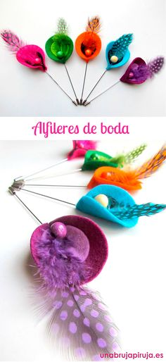 Alfileres de boda                                                                                                                                                                                 Más Felt Flower Bouquet, Felt Flowers, Felt Crafts, Diy And Crafts, Craft Accessories, Shabby Flowers, School Decorations, Felt Ball, Wedding Pins