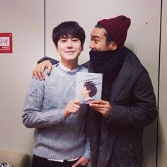 SiWon support KyuHyun's first solo album