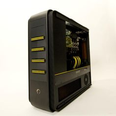 Kier's Silverstone TJ11 Carbon casemod. Love the black and yellow look. Reminds me of an angry bee.