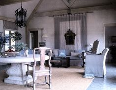We hate Faux Riche interiors, but with Solis Betancourt, there is nothing faux about it. Stunning!