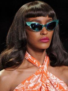 great glasses! {via Fashion Estasi}