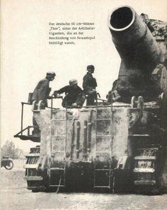 En 1944, la mayoría de los morteros de 600 mm fueron reemplazados por el mortero de 540 mm. Pero Varsovia fue su última batalla. La rápida disminución en el ejército alemán en el frente durante el último año de la guerra prohibieron el mortero Karl para hacer una demostración final de su poder destructivo del fuego. Casi todos fueron saboteados por sus tripulaciones. El último de los 6 ejemplares es Kubinka museo en Rusia.