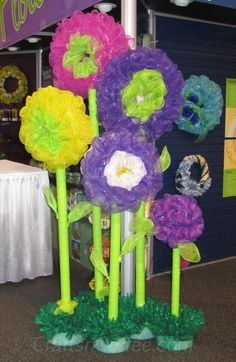 Decor mesh flowers made by FloraCraft at the annual trade show for the Craft & Hobby Association, or the CHA Show (no info!)