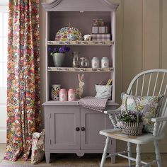 Vintage floral living room | Living room decorating | Country Homes and Interiors | Housetohome.co.uk