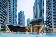 d`Leedon, Singapore, comprises seven residential towers, 12 semi-detached villas and integrated landscaping with recreation facilities. The choreographed pos...