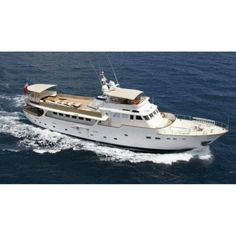 The metre motor yacht Il Odyssey, listed for sale by Jan Jaap Minnema at Fraser Yachts, has been sold with Darren Cooper at Finest Yachts introducing the buyer. Classic Yachts For Sale, Yacht For Sale, Benetti Yachts, Luxury Yachts, Classic Motors, Classic Cars, Expedition Yachts, Cabin Cruiser, Yacht Design