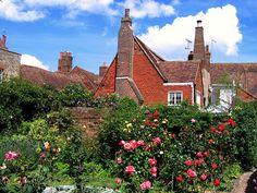 The Garden at Henry James' Lamb House, Rye by UGArdener, via Flickr