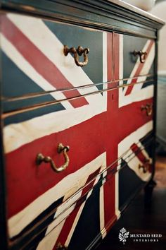 Admittedly I've not liked Union Jack decor previously but the hubby likes Navy and it would go well in a boys room with the airplane posters of British Origin we have saved.