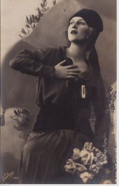 Female blackshirt militia member (Fascist Italy) 736 x 1155 - HistoryPorn Vintage Photographs, Vintage Photos, Kingdom Of Italy, Germany Ww2, Mata Hari, Godly Woman, Vintage Posters, The Past, Nostalgia