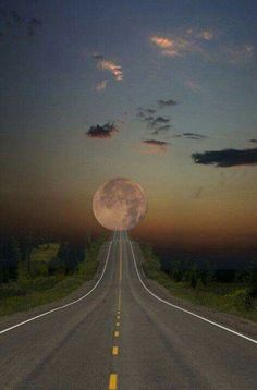 The Atlantic Ocean Road, Norway. The moon here looks like a planet. My acquaintances at the National Geographic rate this as a highly unique travel experience. On the List already! Beautiful Moon, Beautiful World, Beautiful Places, Beautiful Pictures, Moon Pictures, Moon Pics, T Rex, Wonders Of The World, Amazing Photography