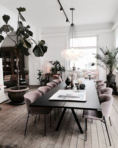 Gorgeous 30 Modern Minimalist Dining Room Design Ideas for C.- Gorgeous 30 Modern Minimalist Dining Room Design Ideas for Comfortable Dinner With Your Family - Home Interior Design, Dining Room Design, Modern Dining Room, Minimalist Dining Room, House Interior, Living Room Decor, Home, Living Room Decor Modern, Room Interior