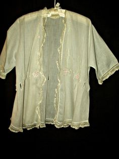 Vintage Edwardian Batiste Bed Combing Jacket Embroidery Floral Lace Trim