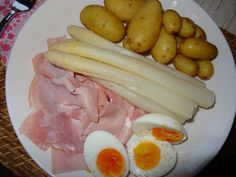 Asparagus, ham and eggs. A typical Dutch dish