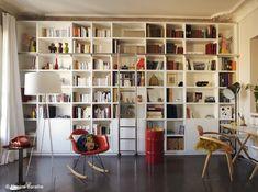 Mix ikea expedit and ikea billy avec des extensions et des portes et tiroirs, tout ce que j'aime et je veux...sobre, efficace
