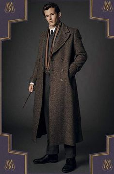 Harry Potter - Head Auror| Theseus Scamander { Callum Turner} #1 : War Hero , Head Auror , Big brother - Fan Forum Gellert Grindelwald, Crimes Of Grindelwald, Fantastic Beasts Movie, Fantastic Beasts And Where, Callum Turner, Aidan Turner, Do I Love Him, Harry Potter Characters, Hogwarts