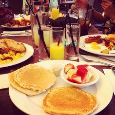 Instagram: Breakfast time un Miami @lbnycb