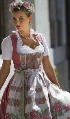 About dirndl on pinterest salzburg oktoberfest and dirndl dress