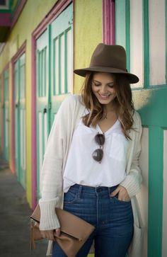 The Weekend Uniform | Fashion Blogger | Flared Denim | Aritzia
