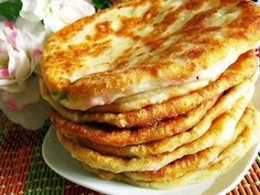 Kefir cheese pita: a great substitute for bread rolls at breakfast .- Kefir cheese pita: a great substitute for bread rolls at breakfast. Breakfast Pizza, Breakfast For Dinner, Breakfast Casserole, Pizza Recipes, Casserole Recipes, Healthy Dinner Recipes, Sicilian Recipes, Greek Recipes, Cheese Patties