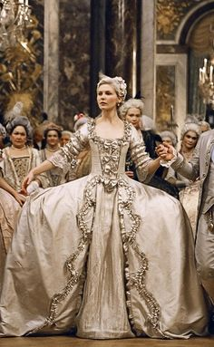 Marie Antoinette with Kirsten Dunst by Sofia Coppola, dress design Milena Canonero - the Wedding Movie Wedding Dresses, Wedding Movies, Wedding Costumes, Movie Costumes, Wedding Scene, Bride Costume, Wedding Reception, Sofia Coppola, Kirsten Dunst Marie Antoinette