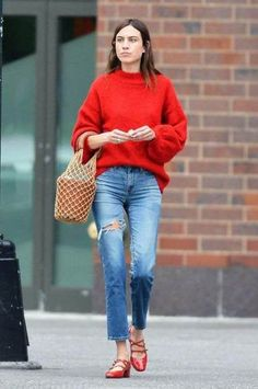 16 ideas for style icons outfits alexa chung Alexa Chung Style, Alexa Chung Hair, Star Fashion, Trendy Fashion, Fashion Trends, Fashion Outfits, Jeans Fashion, Petite Fashion, Fashion Vintage