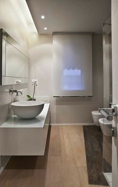 bathroom design for old person Studio Interior, Bathroom Interior Design, Modern Interior Design, Style At Home, Modern Bathroom, Small Bathroom, Master Bathroom, Bad Styling, Steam Showers Bathroom