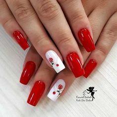 Image may contain: one or more people and closeup Holiday Nails, Christmas Nails, Red Nails, Hair And Nails, Cute Nails, Pretty Nails, Cookies Et Biscuits, Nail Arts, Nail Inspo