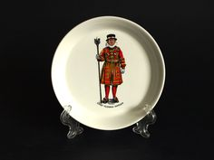 Chief Yeoman Warder Trinket Souvenir Dish - Vintage RWL London Beefeater Tower of London - Made in England by FunkyKoala on Etsy