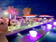 A paradise over the sea. That is Anima Beach: a beach club placed right on the sea where you can … Gorgeous Body, Balearic Islands, Luz Led, Beach Club, Pretty Pictures, Night Life, Table Decorations, Travelling, Party