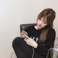 Cute Korean, Korean Girl, Asian Girl, Girl Pictures, Girl Photos, Krystal Jung, Thai Model, Lifestyle Trends, Blush Makeup