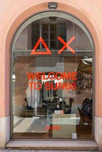 Esterno del negozio SUN68 Brescia in via Cavallotti 3 #SUN68lovesbrescia #SUN68 #stores #brescia Ph: Luca Casonato